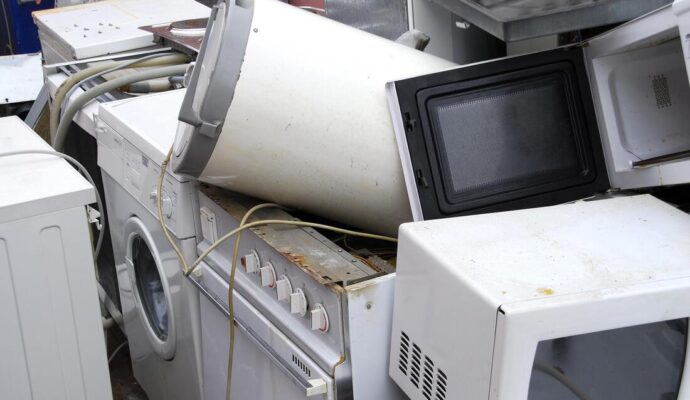 Appliance removal-Fort Myers Waste Dumpster Rentals Services-We Offer Residential and Commercial Dumpster Removal Services, Portable Toilet Services, Dumpster Rentals, Bulk Trash, Demolition Removal, Junk Hauling, Rubbish Removal, Waste Containers, Debris Removal, 20 & 30 Yard Container Rentals, and much more!